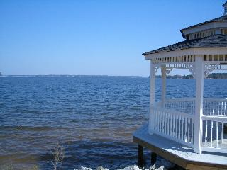 Jason Compton finds Lake Murray Sc homes for sale and Lake Murray SC lots for sale with Biga water views like this.